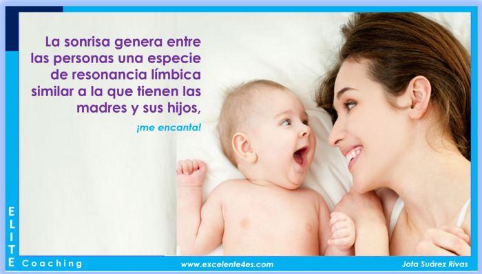 sonrisas madre e hijo